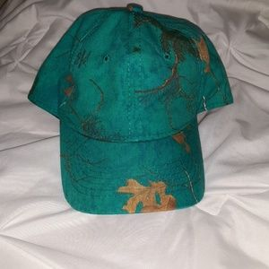 Turquoise Real Tree Signatures Camo hat